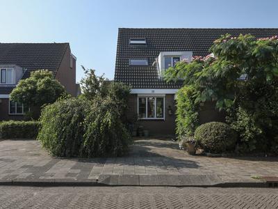 Baker 28 in Nieuw-Vennep 2152 LA
