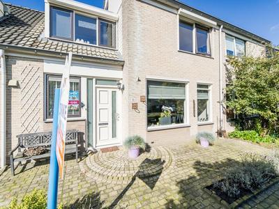 Ida Gerhardtstraat 15 in Kampen 8264 DS