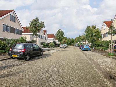 Meidoorn 14 in Zeewolde 3892 CK