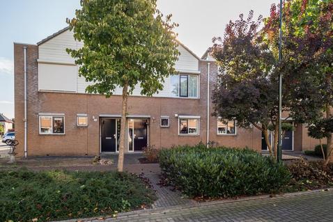 Fauststraat 22 in Waardenburg 4181 DH