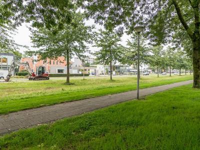 Esdoornhof 101 in Kampen 8266 GD