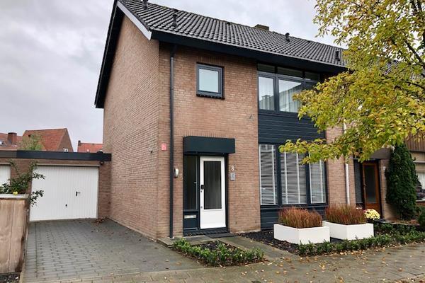 Van Hushovenstraat 8 in Venlo 5913 VG