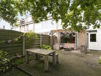 A.W. Lipsstraat 1 in Oud-Beijerland 3262 GA