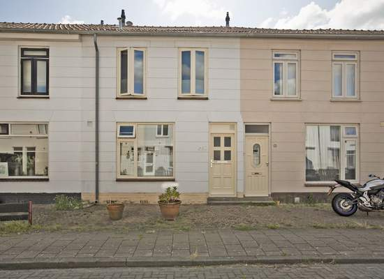 Willemstraat 23 in Alphen Aan Den Rijn 2405 EG