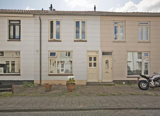 Willemstraat 23 in Alphen Aan Den Rijn 2405 EG