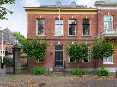 Plein 10 in Wassenaar 2242 KB
