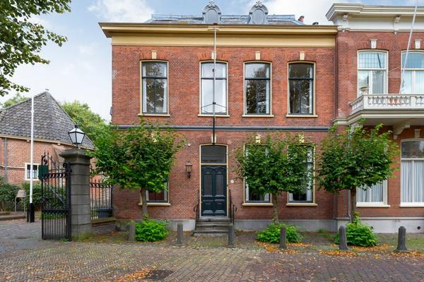 Plein 10 in Wassenaar 2242 KB