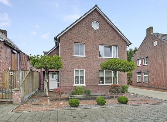Roomweg 33 in Grashoek 5985 NS