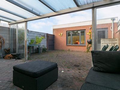Poelruitstraat 14 in Waalwijk 5143 AK