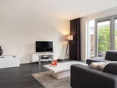 Johannes Vermeerstraat 17 in Hengelo 7556 PN