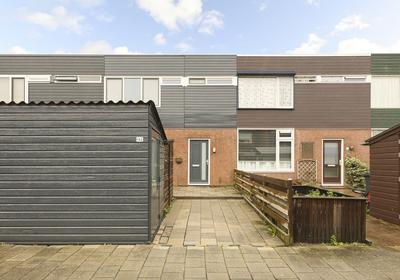 Hofstede 182 in Lelystad 8212 WN