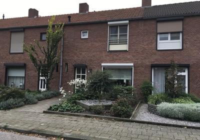 Van Stepraethstraat 8 in Sevenum 5975 XR