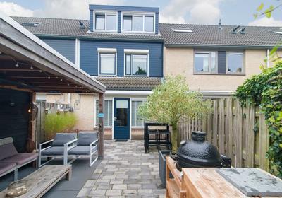Lucretia Van Merkenlaan 34 in Veenendaal 3906 WD