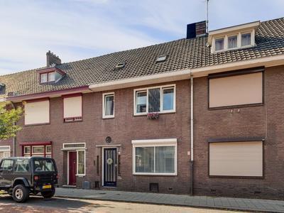Koningin Regentesselaan 16 in Roermond 6043 CM