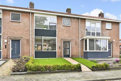 Donker Curtiusstraat 4 in Apeldoorn 7331 SW