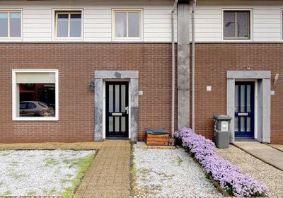 Vincent Van Goghstraat 4 in Raamsdonksveer 4941 ZK