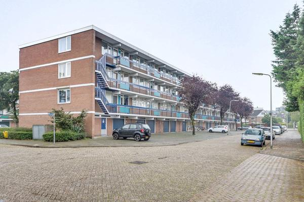 Anjerstraat 152 in Zwijndrecht 3333 GE