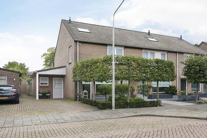Burgemeester Van Heesbeenstraat 20 in Vlijmen 5251 DE
