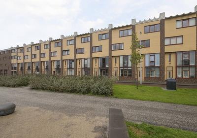 Zuidpoolsingel 186 in Alphen Aan Den Rijn 2408 BR