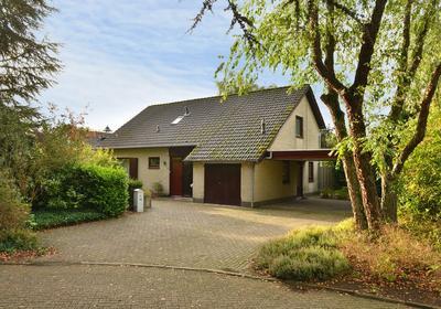 Zonnedauw 14 in Huijbergen 4635 BM