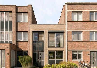 Zwanebloem 36 in Alphen Aan Den Rijn 2408 LT