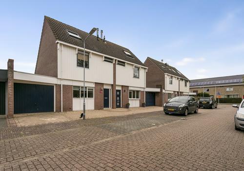 Traptoren 23 in Middelburg 4336 KP