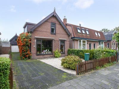 Kerkweg 185 in Lekkerkerk 2941 BK