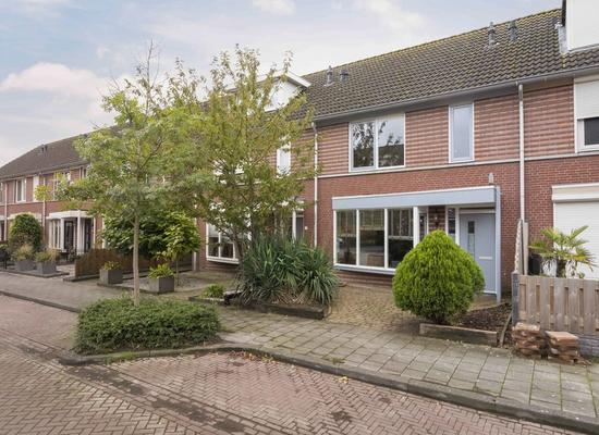 Beatrixstraat 6 in Moerdijk 4782 AS