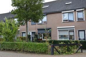 Vogelenzang 33 in Wijk En Aalburg 4261 ZC