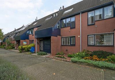 Ravestein 12 in Alphen Aan Den Rijn 2403 JK