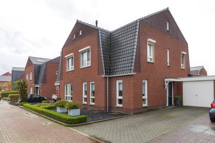 Ds. Hoogeveenstraat 46 in Sint-Oedenrode 5491 AV