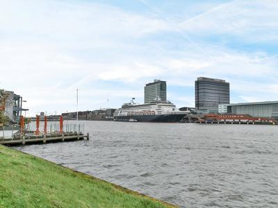 IJplein 321 in Amsterdam 1021 LK