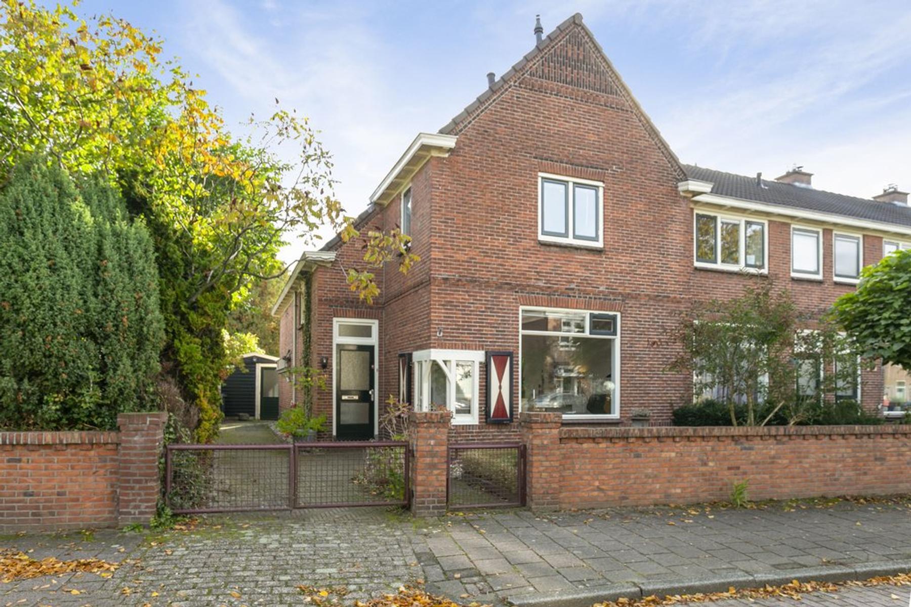 Groen Van Prinstererlaan 13 in Enschede 7521 AX