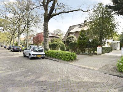 Groot Hoefijzerlaan 2 in Wassenaar 2244 GH