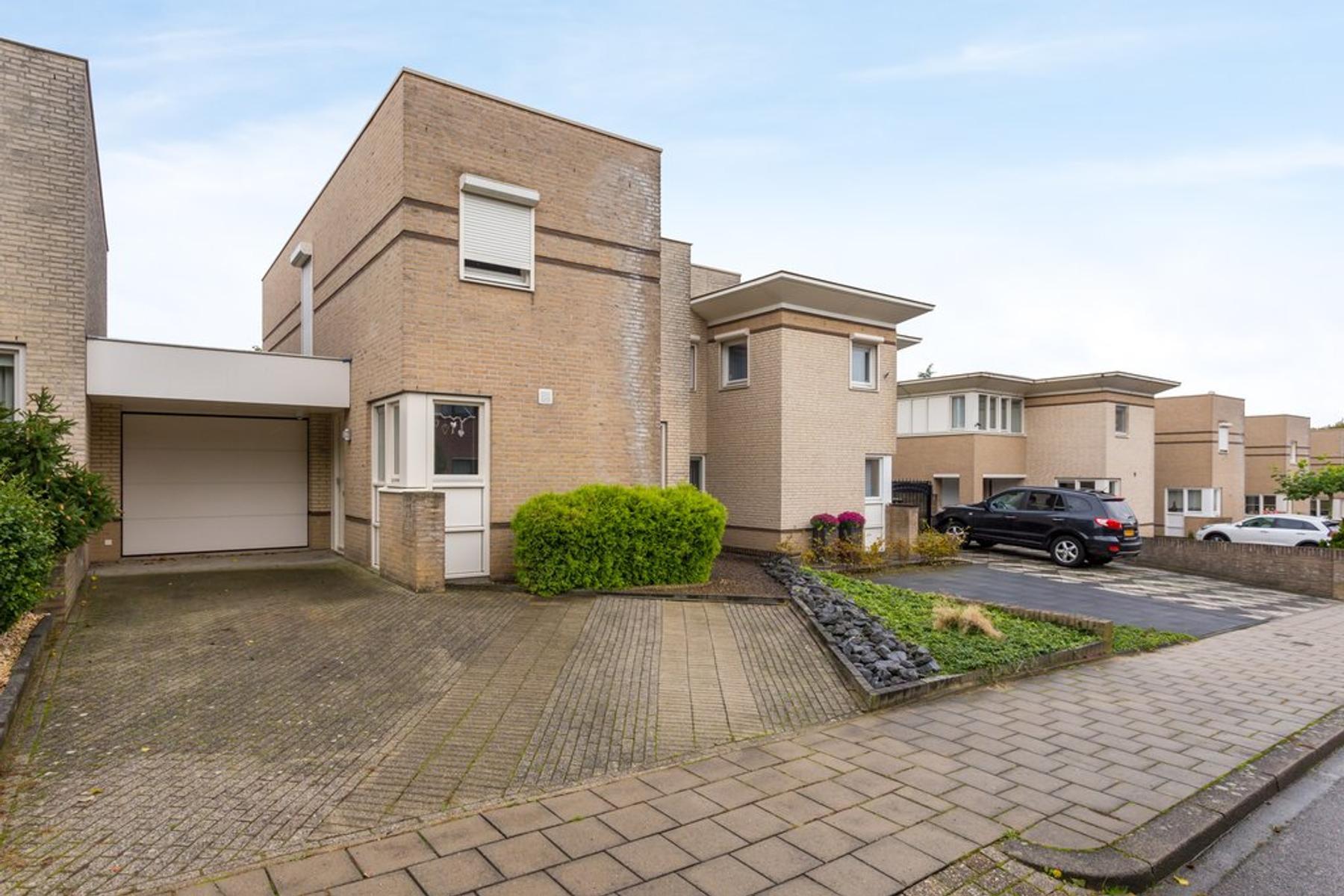 Arthur Van Schendelstraat 5 A in Landgraaf 6372 HS