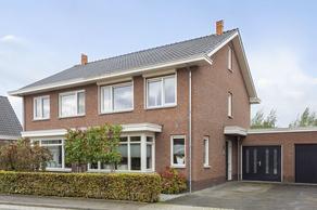 Scharenburg 33 in Zoelen 4011 EJ