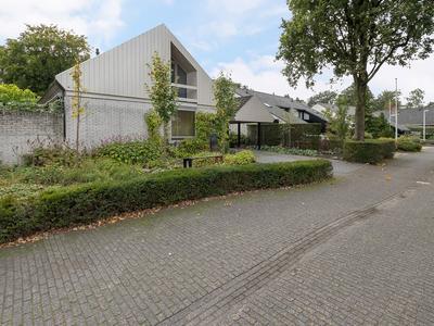 Tusseler 218 in Lochem 7241 KM