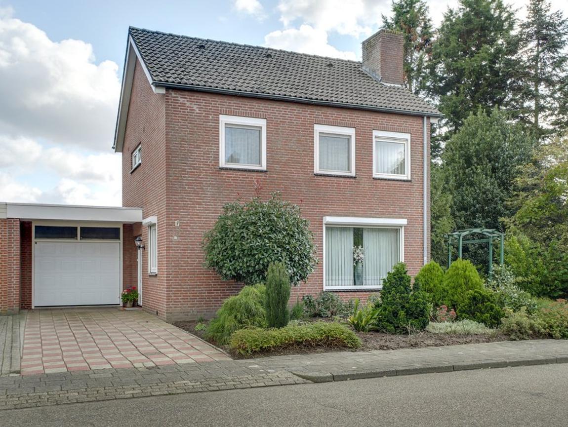 Sint Isidoorstraat 12 in Heibloem 6089 NG