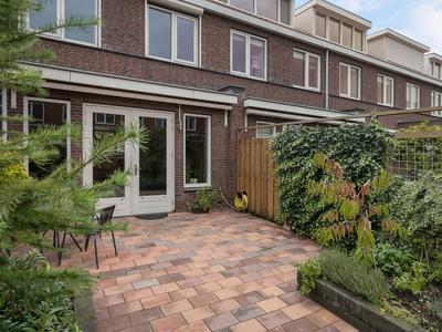 Maurice De Vlaminckstraat 44 in Rotterdam 3059 VD