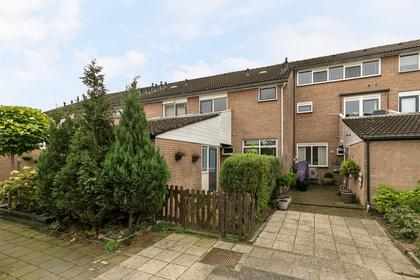 Van Der Burghstraat 32 in Hendrik-Ido-Ambacht 3341 GT