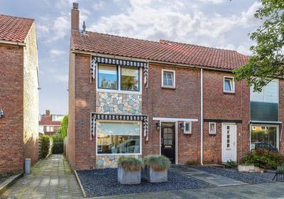 Douwes Dekkerstraat 11 in Sliedrecht 3362 TC