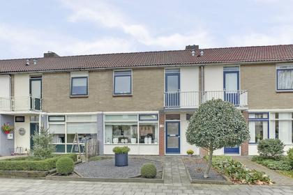 Scholeksterstraat 118 in Heerenveen 8446 JD
