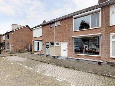 Van Galenstraat 9 in Geertruidenberg 4931 VE