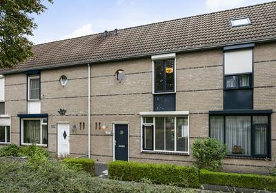 De Middenloop 46 in Helmond 5704 JC