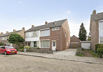 Wethouder Jonkersstraat 39 in Halsteren 4661 EB
