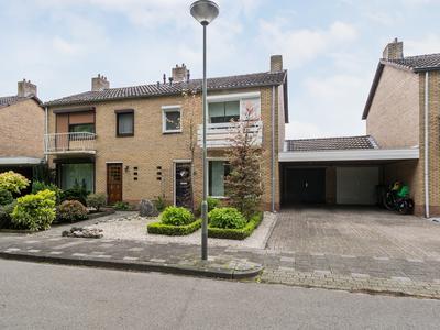 Van Den Bongaertstraat 41 in Haelen 6081 BD