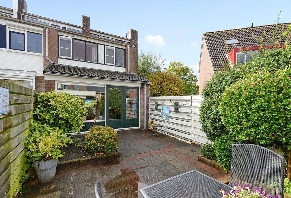 Kadelaan 27 in Zoetermeer 2725 BA