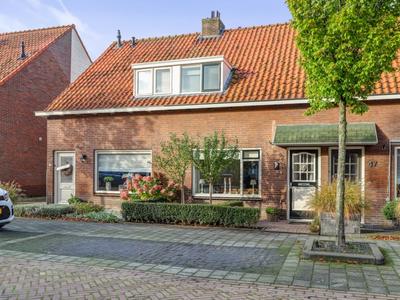 Wilhelminastraat 45 in Hardinxveld-Giessendam 3373 AR