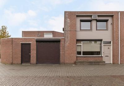 Peerke Klinkstraat 1 in Helmond 5701 MB