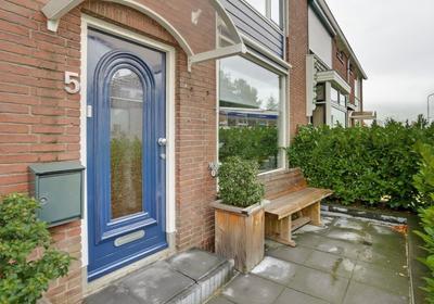 Antoni Van Leeuwenhoekstraat 5 in Zwijndrecht 3331 ET